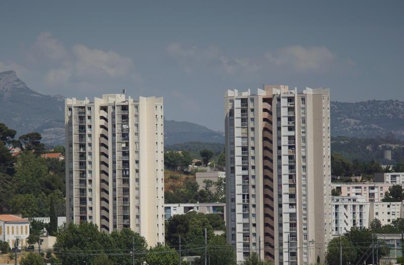 Panorama avec ciel gris